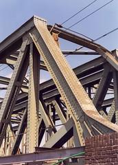 Eindportaal spoorbrug Best (tomborger) Tags: brug spoorbrug pentax67 vakwerkbrug