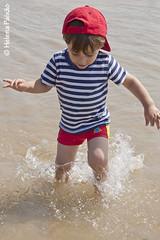 Splash! (Helena Paixao) Tags: child criança littleboy menino childsplay infância brincadeira chidhood rememberthatmomentlevel1