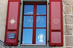 we are closed (overthemoon) Tags: red window sign wall 50mm gold schweiz switzerland closed suisse buddha tibet parasol shutters fribourg symbols svizzera balustrade gruyères fermé romandie tibetmuseum 1j1t visitliz alainbordierfoundation