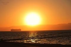 Adiós Jordania (Capitán pan) Tags: luz sol puerto atardecer mar barco paisaje amarillo desierto montaña naranja jordania mygearandme