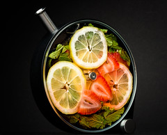 Lemonade (The New No. 2) Tags: chicago lemon strawberry drink beverage mint vessel lemonade container infusion cocktail porthole aviary product sprig infuser johncrouch copyrightjohncrouch johncrouchphotography crouchphotos crucialdetail