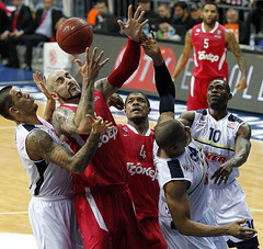 FENERBAHCE ULKER - OLYMPIACOS BC (Olympiacos B.C.) Tags: basketball action antic olympiakos sato fenerbahce hines euroleague batiste ulker