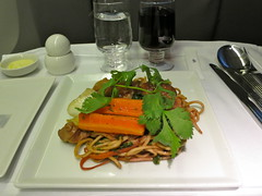 Singapore Airlines (LAXFlyer) Tags: food dinner lunch singapore main class course business meal airlines businessclass maincourse