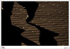 Crossing - p365jvr - 11 de abril de 2013. 101/365 (Javier Vegas (Alias El Vegas)) Tags: vegas sunset shadow pie atardecer shoe nikon crossing shadows cross 04 abril sombra 11 101 sombras palencia cruzando d90 2013 p365jvr