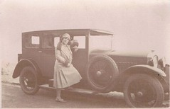 conduite interieure (desfemmesetdesvoitures@yahoo.fr) Tags: auto old bw woman cars car lady vintage photo mujer women automobile noir photos femme 1940 machine voiture nb retro coche 1970 frau dame 1980 et fille blanc 1950 coches filles 1920 coup femmes dona voitures argentique 1930 ancienne roadster 1960 cabriolet dames anciennes wagen machina rtro brautjungfern desfemmesetdesvoitures httpwwwflickrcomphotos93327552n06details1