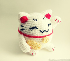 Lucky cat v2 (mochillery) Tags: crafts crochet fortune amigurumi manekineko luckycat mochillery