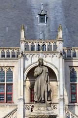 Jacob van Maerlant (paul indigo) Tags: colour building statue architecture belgium townhall damme jacobvanmaerlant paulindigo