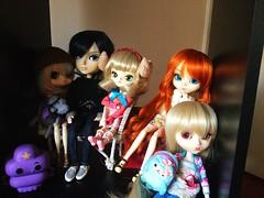 La repisa de las peques (♥ MintCupcake ♥) Tags: doll dollhouse pullip dal taeyang byul custom cocotte hinaichigo lunatic queen stica hora de aventura princesa grumosa