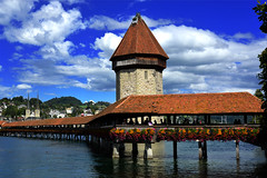Lucerne (JBGenve) Tags: lucerne suisse switzerland city ville lac lake kapellbrcke pontdelachapelle bridge pont chapelbridge ciel