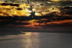 Sonnenaufgang (Monika Bing) Tags: sonne sun wather wasser river flus rhein deutschland sonnenaufgang sunrise wolken himmel sky farbenspiel