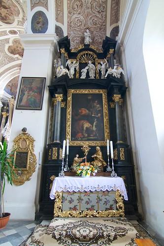 Ołtarz św. Jana Chrzciciela w kościele śś. Mikołaja i Franciszka Ksawerego w Otmuchowie