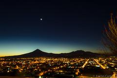 Izta-Popo desde Cholula (Aaron Cameras) Tags: longexposure naturaleza beauty night landscape mexico twilight nikon dusk wide cholula puebla flickrexplore digitalrev thegalleryoffinephotography d5100 froknowsphoto fronation