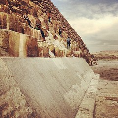 upload (Christopher.Michel) Tags: instagramapp square squareformat iphoneography uploaded:by=instagram rise foursquare:venue=4b9f7a50f964a520422537e3 pyramid pyramids luxor giza
