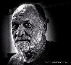 Red ( B.H.B. PHOTOGRAPHY ) Tags: red portrait white man black beard friend flickr time age looks years greybeard wrinkles olderman 2013 blackwhitephotos mansportrait bhbphotography bhbphotography oldmansportrait