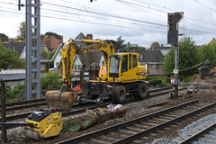 20121006 069 Gent St Pieters. Unidentified Terex Ro-Railer Working On Line 50a East Of The Station (15038) Tags: railways trains sncb nmbs belgium gentstpieters ontrackplant rorailers unidentified terex