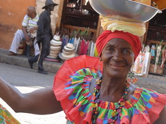 Palenquera (JavierPsilocybin) Tags: portrait black southamerica colors colombia retrato colores cartagena negra sudamerica cartagenadeindias sothamerica palenquera plazadesantodomingo