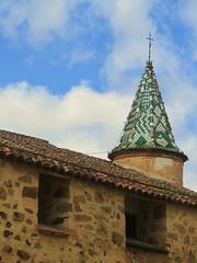 Monasterio de Guadalupe (Lauragalcon) Tags: españa abbey de torre colores virgin monastery guadalupe cáceres virgen monasterio cerámica extremadura caceres espa