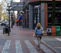 van13d05 Lamplighter Pub, Gastown BC (CanadaGood) Tags: people canada color colour building sign vancouver person hotel pub downtown bc pavement britishcolumbia streetphoto gastown 2013 canadagood thisdecade