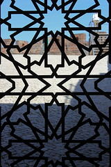 Muslim grid (Hlder Cotrim) Tags: luz portugal vertical canon south muslim decoration grade castelo algarve decorao sul silves sud verticale portogallo barlavento sden vertikal
