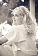 Heartbreak On Hold (PG.NETO) Tags: bw white black girl smile brasil 50mm friend bokeh blonde garota dayana sartorelli