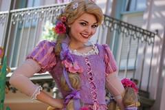 Soundsational - Rapunzel (Visions Fantastic) Tags: disneyland disney rapunzel tangled disneyparade soundsational mickey'ssoundsationalparade
