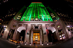 The Helmsley Building (Gary Burke.) Tags: christmas street nyc newyorkcity ny newyork building green architecture night skyscraper canon eos rebel lights evening colorful manhattan wideangle landmark icon led fisheye midtown helmsley gothamist dslr eastside parkavenue lightingsystem fisheyelens uwa environmentallyfriendly terminalcity helmsleybuilding goldleed garyburke klingon65 t1i canoneosrebelt1i