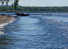 Sun Sparkles (DewCon) Tags: lakepepin boat