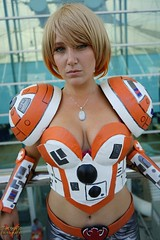 San Diego Comic Con SDCC 2016 Cosplay (V Threepio) Tags: cosplay costume outfit modeling posing cosplayer sdcc sdcc2016 sandiego comiccon photoshoot geekculture comics superheroes sonya7r 2870mm female girl bb8 droid starwars beebeeate boobie8 astromech robot