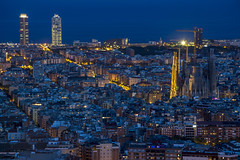 Ciudad Laberinto (Nicols Rosell) Tags: barcelona catalunya catalonia espaa spain europe europa ciudad city bluehour horaazul arquitectura architecture nikon nikond7100 d7100 urban urbana cityscape