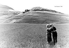 Selfie a Castelluccio (Giacomo Lori) Tags: castelluccio selfie lorigiacomo nikond610 nikon d610 blackewhite bw