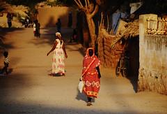 Barentu /  (Eritrea) - Side Street (Danielzolli) Tags: eritrea  ertra erythre  erythrea  eritra habesha gash barka gashbarka gashsetit barentu strasse street rruga rue rua calle via straat ulica ulice vulica road silnice carretera   highway