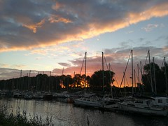 nature's art (gerrygoal2008) Tags: harbour art light sun set sunset normandy peninsula cotentin red reddish rougeoyant early birds