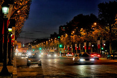 Champs Elyses; Paris (jjcordier) Tags: paris champselyses nuit circulation lignedefuite avenue voiture
