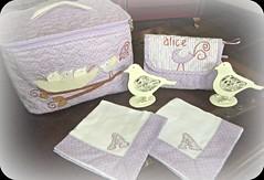 BaBy ALiCe (DoNa BoRbOlEtA. pAtCh) Tags: baby birds handmade application passarinhos quiltlivre ncessaire frasqueira paninhodeboca mantasoft donaborboletapatchwork