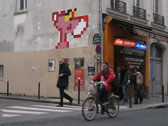 Space Invader PA_1039 : Paris 11eme (tofz4u) Tags: street people streetart paris bike bicycle tile restaurant mosaic spaceinvader spaceinvaders invader rue pinkpanther vlo mosaque artderue 75011 velib platscuisins panthererose pa1039