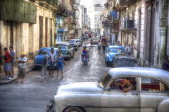 Havana - Cuba (IV2K) Tags: street chevrolet sony havana cuba centro caribbean alpha habana streetscape hdr photomatix tonemapped a900 blinkagain