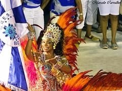 Beija-Flor_Carnaval 2013_Rio de Janeiro (FM Carvalho) Tags: carnival brazil rio bandeira brasil riodejaneiro samba shot sony flor cybershot porta carnaval sorriso beijaflor sonycybershot cyber brsil passarela sambdromo marqus escoladesamba beija portabandeira sapuca marqusdesapuca sambaschool passareladosamba carnavaldoriodejaneiro sambadrome riocarnival carnavalcarioca carnavaldorio selminhasorriso selminha sambdromodorio sambdromocarioca sambdromodoriodejaneiro hx9v sonyhx9v carnaval2013 selmynha sorrisoz selmynhasorrisoz