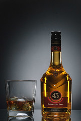 Licor 43 - part 3a (FlashJournal) Tags: 43 licor darkfield licor43 diygrid lumopro yongnuo darkfieldphotography lumiquestsoftboxiii rf602 lp160 yn560 lumoprolp160