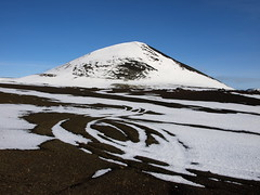 Kothraunskla (h) Tags: blue winter sky snow landscape march iceland patterns tracks mount crater geology eruption snfellsnes 2013 scoriacrater kothraunskla ggur
