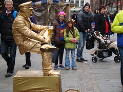 DSC07009 (TheKilens) Tags: uk vacation england london statue europe busker melina maile