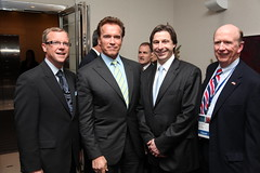 Premiers/premiers ministres Wall, Graham, Governor/gouverneur Schwarzenegger, former US Ambassador to Canada David Wilkins/l'ancien ambassadeur des États-Unis au Canada, David Wilkins