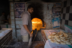20061110_3136 (Zalacain) Tags: people bread baker working bakery worker yemen almahwit gettyimagesmiddleeast