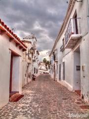 Calle de Macharaviaya (Málaga) (ASpepeguti) Tags: españa andalucía spain olympus andalucia costadelsol andalusia malaga málaga alandalus axarquía puebloblanco zd1454mm macharaviaya e620 aspepeguti photomatixpro42 satorgettymomentos
