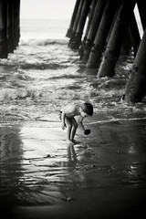 Finding treasures (catherinelaceyphoto) Tags: family boy love girl canon children kid child father joy daughter mother son