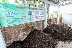 Pengolahan Sampah Organik (flickr.rumahzakat) Tags: banksampah prabumulih pupuk kompos organik sampah lingkungan rumahzakat charity berbagisenyum sharinghappiness
