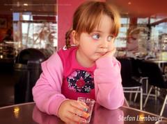 Catharina (Stefan Lambauer) Tags: catharina kid infant menina pensativa waiting glassofwater copo nails colored thinking santossão paulostefan lambauerbrasilbrazil brasil br