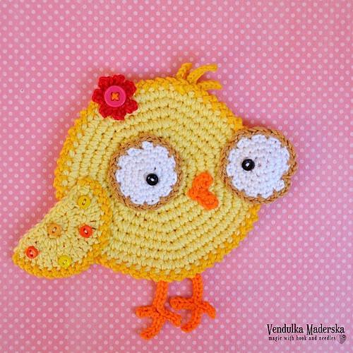 Chicken 🐣 #coaster ready to embellish your #kitchetable ♥ #readytoship #crochet #kitchendecoration #vendulkam #crochetcoaster #handmade #etsy #etsyhandmade #estyseller