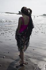 instantes (SANCHEKY) Tags: model moment ocean beach swingsuit kimono yukata