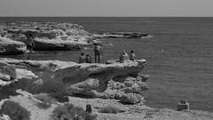 banyets de la reina (pepe amestoy) Tags: blackandwhite people landscape elcampello spain fujifilm xe1 carl zeiss t planar 250 zm leica mount