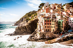 Riomaggiore (Sizzo-grafy) Tags: europe europa landscape riomaggiore city italy italien sea sky harbour sun day light hdr water view cinque terre vacation holiday world sizzo grafy simon schmidt nikon d90